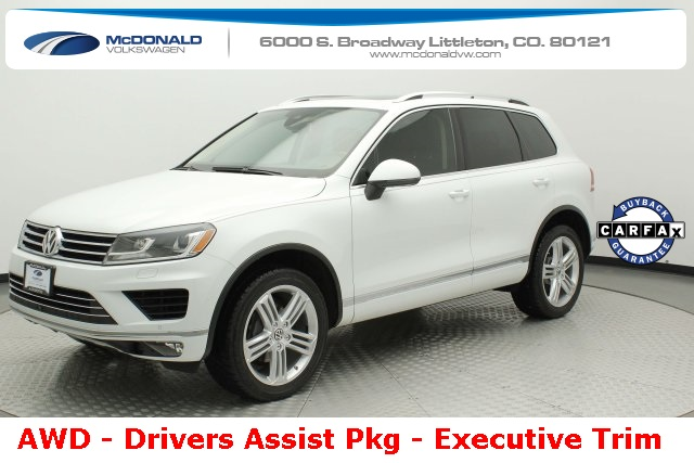 Pre-Owned 2015 Volkswagen Touareg V6 Executive